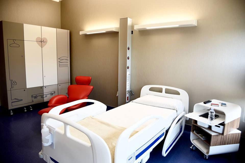 Arredo camere di degenza ordinaria e complementi bagno  Fondazione Nuovo Ospedale AlbaBra