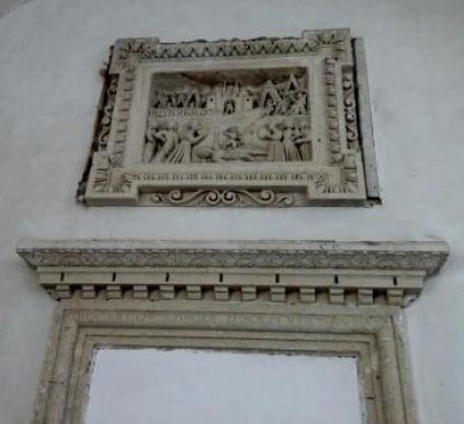 """""""Il duello e il trionfo di David"""" sul gigante Golia, bassorilievo del Riccardi."""