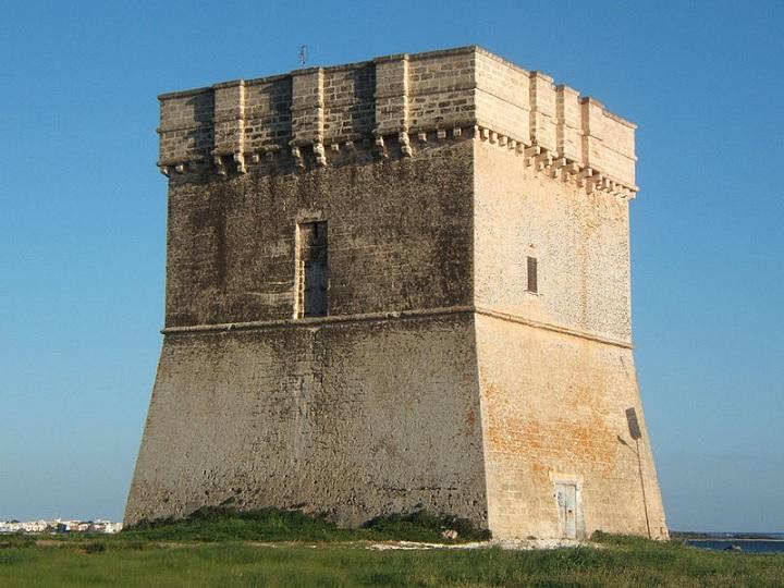 immagine tratta da http://it.wikipedia.org/wiki/File:Torre_chianca_a_porto_cesareo.jpg