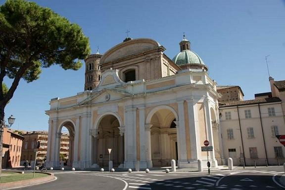 Il duomo di Ravenna; immagine tratta da http://www.duomoravenna.it/?page_id=236#duomo