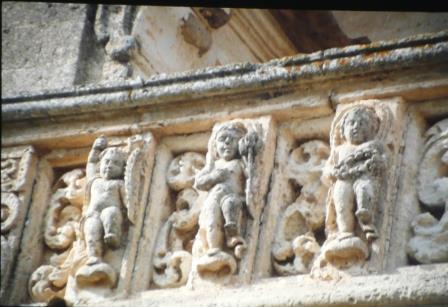 particolare del balcone trafugato