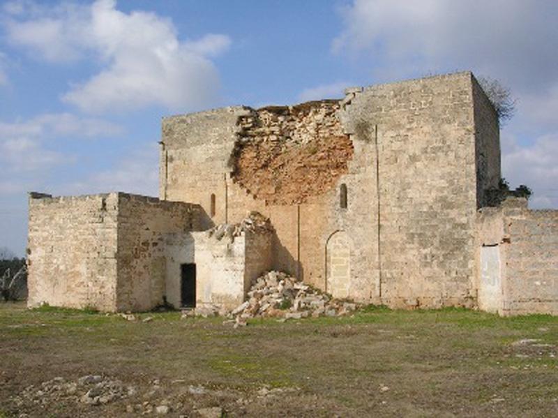 Gallipoli. San Pietro dei Samari (XII sec.). Appello di Italia Nostra