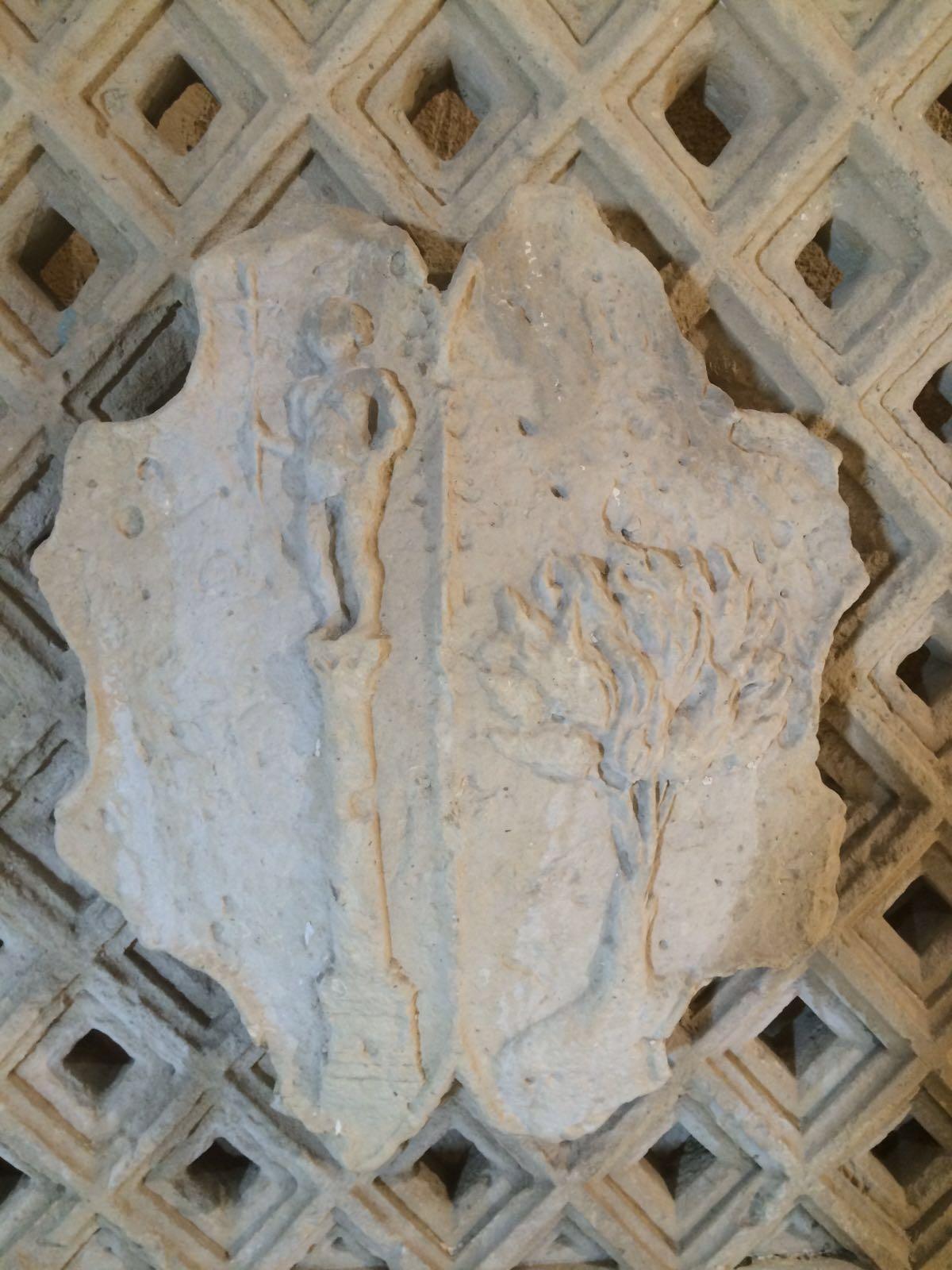 Gli stemmi dell'antico palazzo Rondachi di Otranto