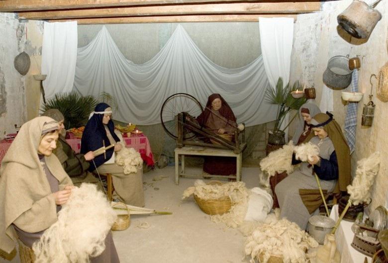 immagine tratta da https://www.rivieraoggi.it/2005/01/03/9075/presepe-vivente-di-grottammare-le-foto/