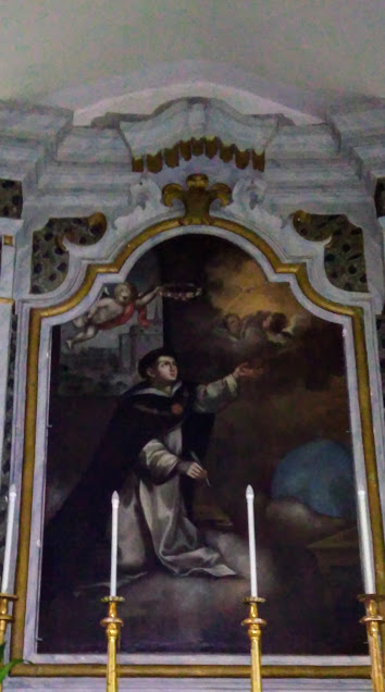 Una tela raffigurante San Tommaso d'Aquino nella chiesa del Rosario a Latiano
