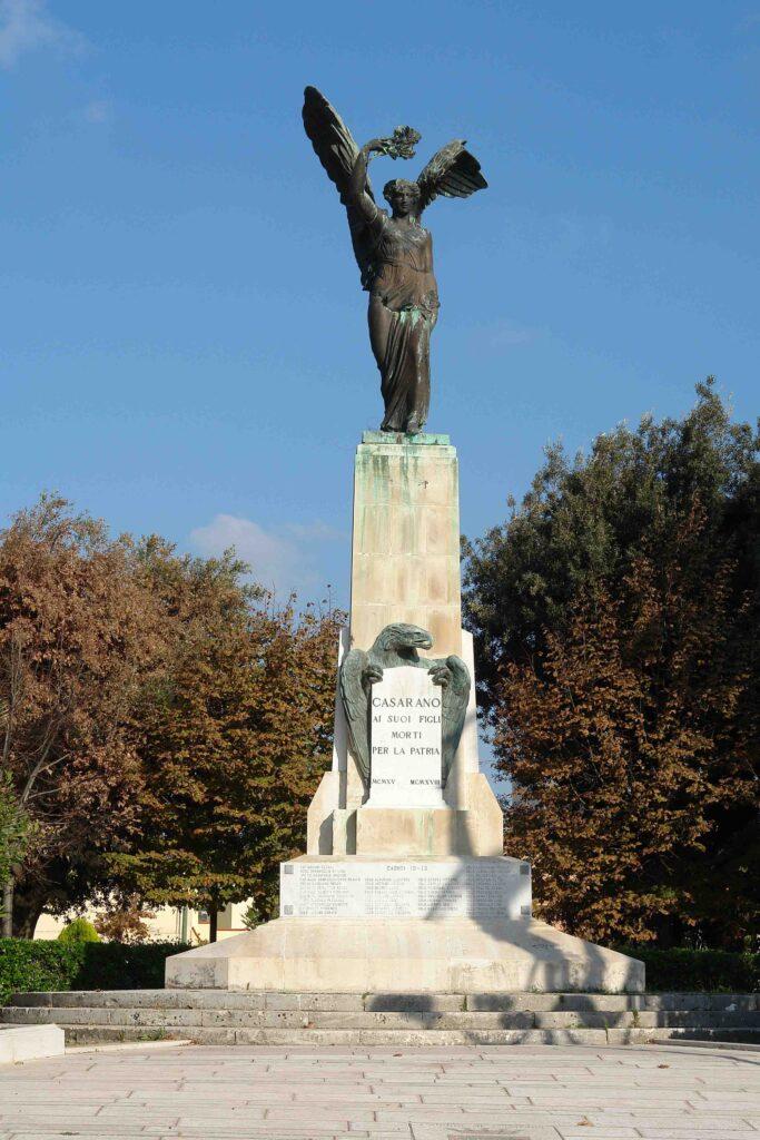 Il Monumento ai Caduti di Casarano. Cronaca di un restauro