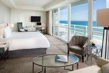 Hotel Suites In Miami Fontainebleau Beach - Junior