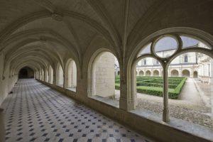 Intérieur du cloître du Grand-Moûtier - Fontevraud