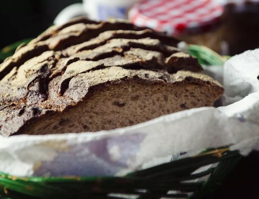 Traditional wholewheat bread