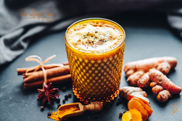 Turmeric Latte – Golden Milk Recipe - Food-Lifestyle-Facts by Rosa Lazic