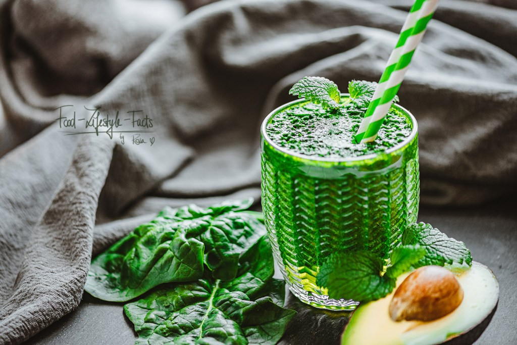 This green smoothie is a natural beauty!