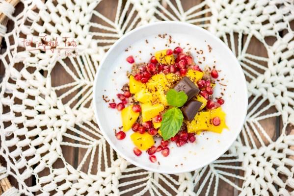 Mango-Granatapfel-Overnight-Buchweizen