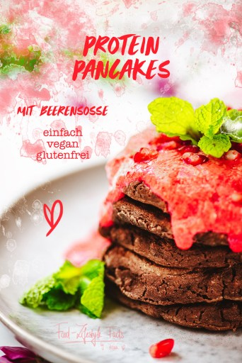 Protein-Pancakes-mit-Beerensosse-Rezept_Rosa-Lazic_Food-Lifestyle-Facts_Pinterest