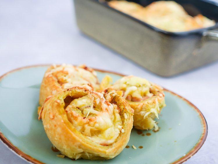 Pesto- hamrolletjes | Foodaholic.nl