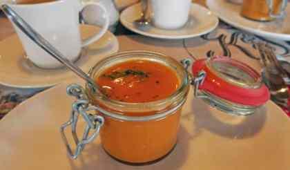 """Tomatensoep met pesto bij theehuis """"Bij Kees en Sien"""""""