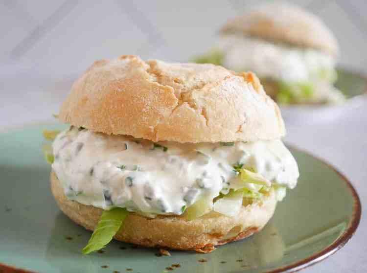 Broodje met kruidenroomkaas | Foodaholic.nl