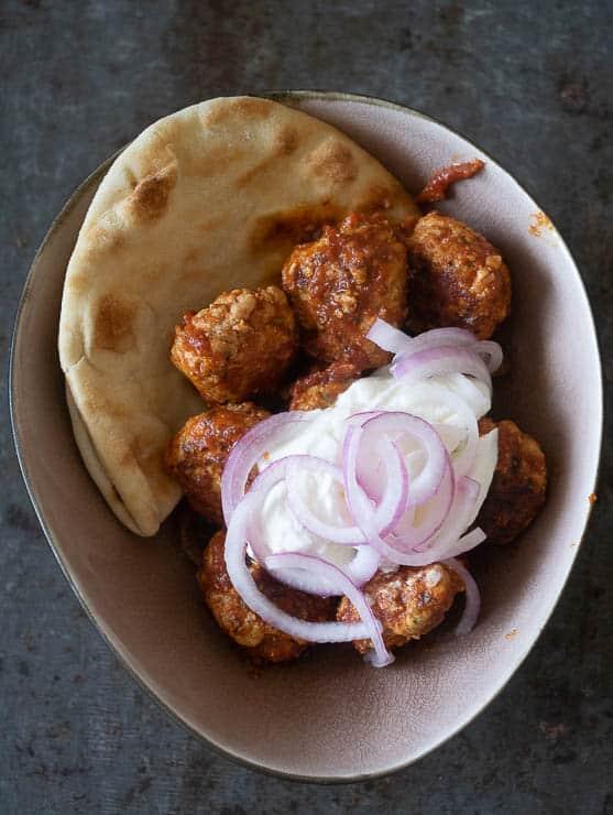Kalkoenballetjes met Turkse smaken | Foodaholic.nl