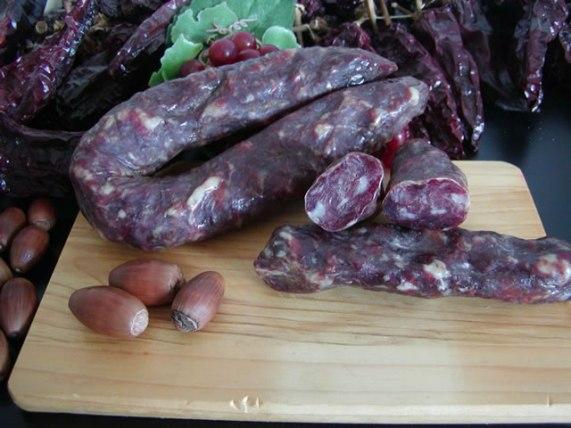 salsiccia nostrana salsiccia di maiale salumi maiale timpa del cinghiale basilicata lucania