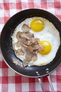 uovo fritto con il tartufo