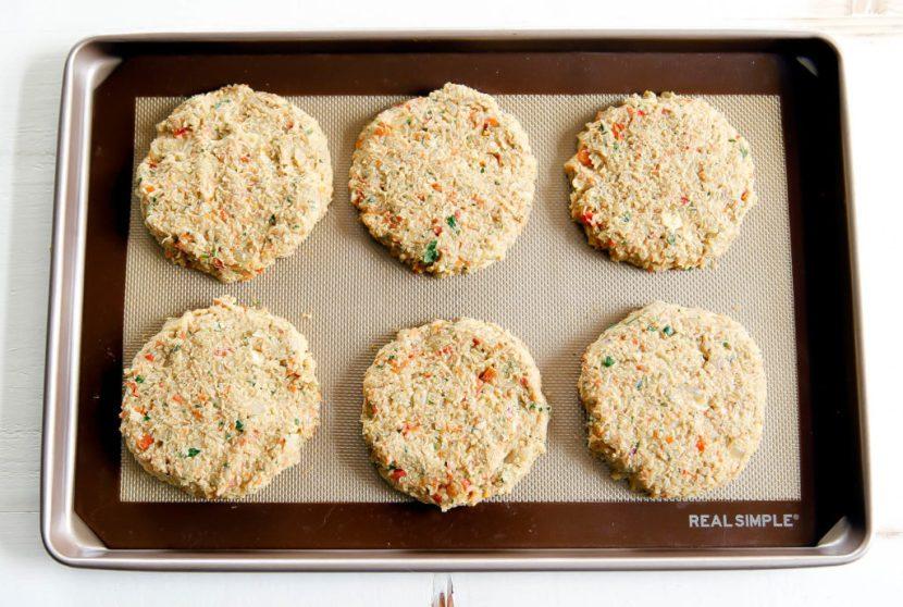 Quinoa-Lentil Veggie Burgers