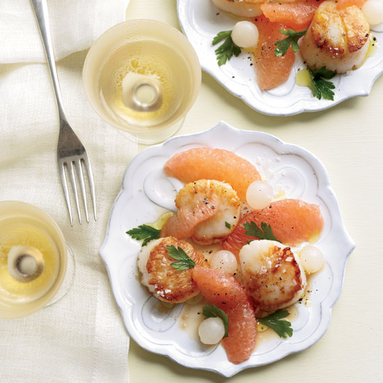 Scallops with Grapefruit-Onion Salad