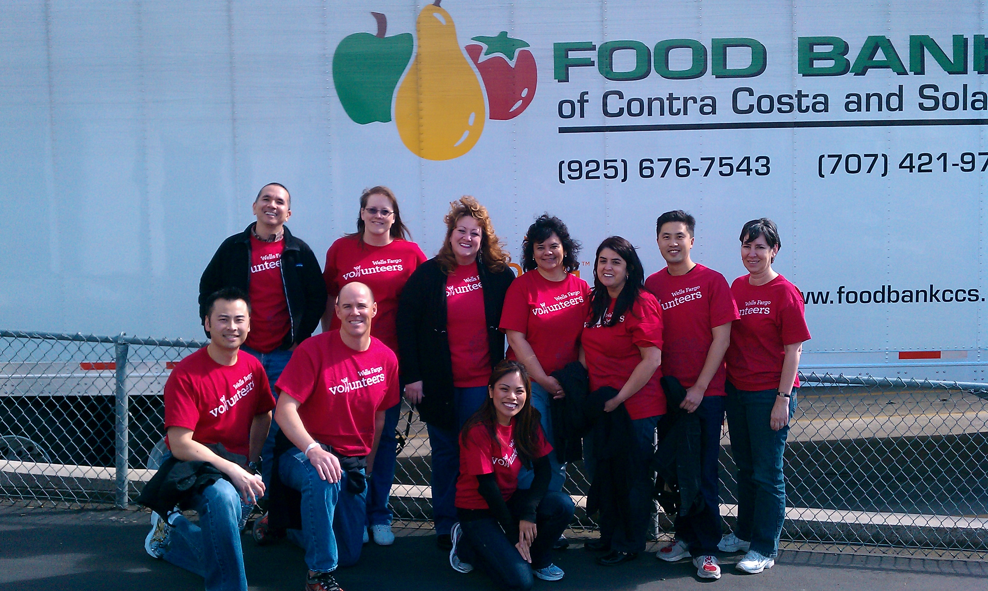 Wells Fargo Volunteers Food Bank of Contra Costa and Solano