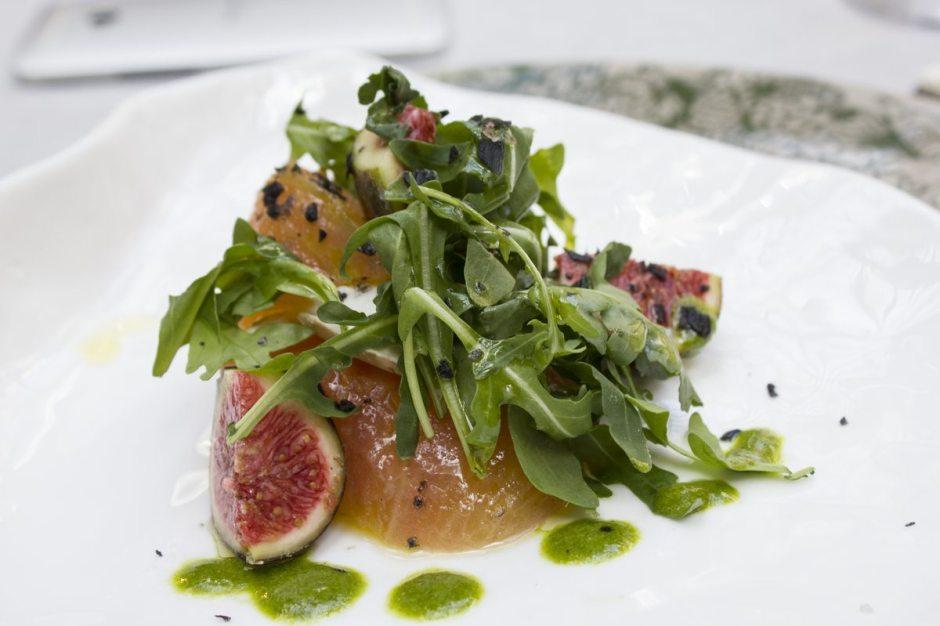 Tragaluz tomato and fig salad