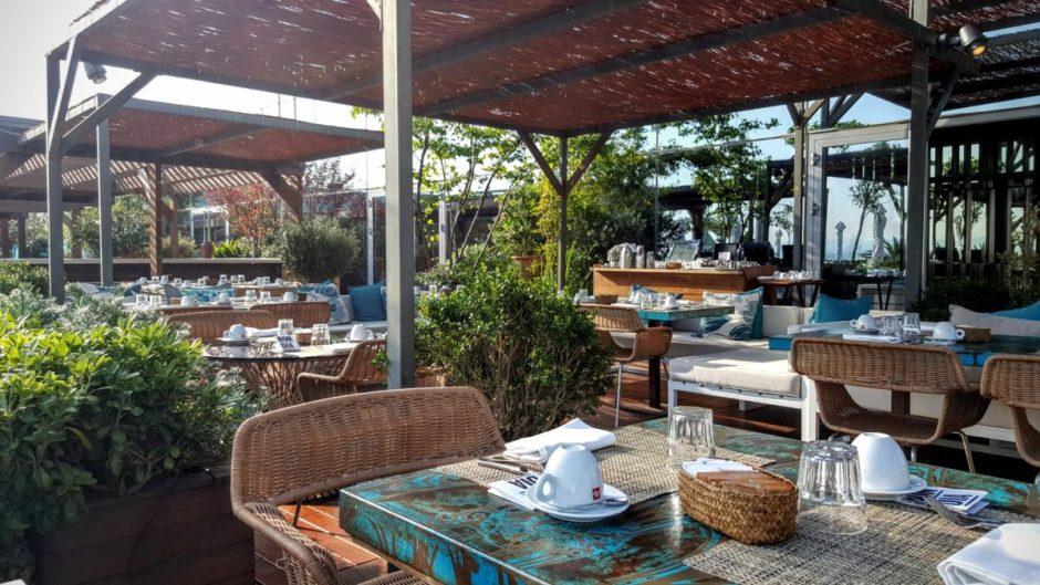 Bravo 24 terrace breakfast