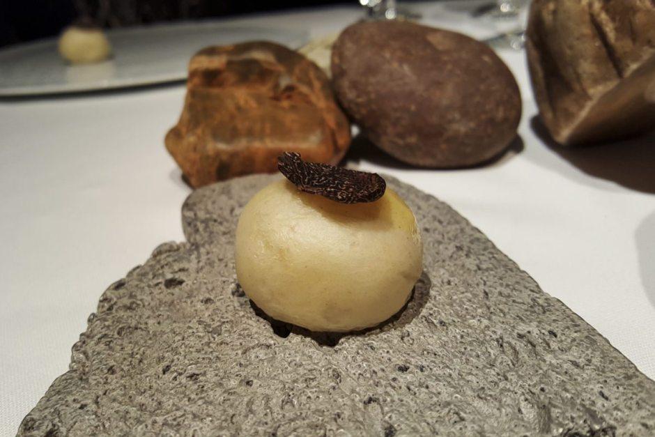 Truffle brioche El Celler de Can Roca