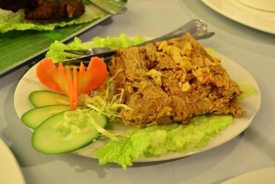 E.Y's Tuna - Fried Belly with Garlic