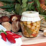 Funghi-champignon-interi-o-tagliati-e1568475912642.jpg