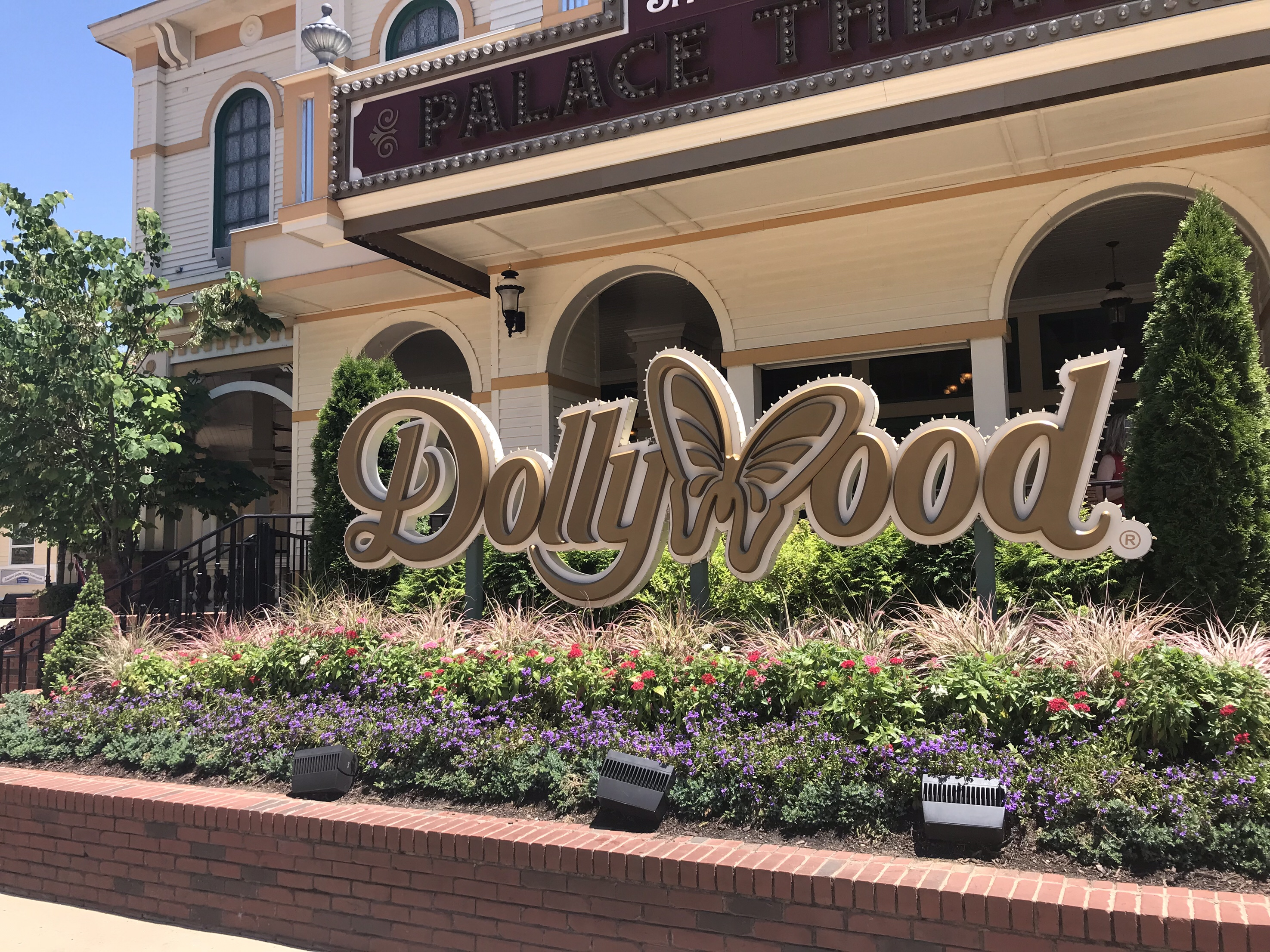 Dollywood Foodie Experience - Food Diary of a City Girl