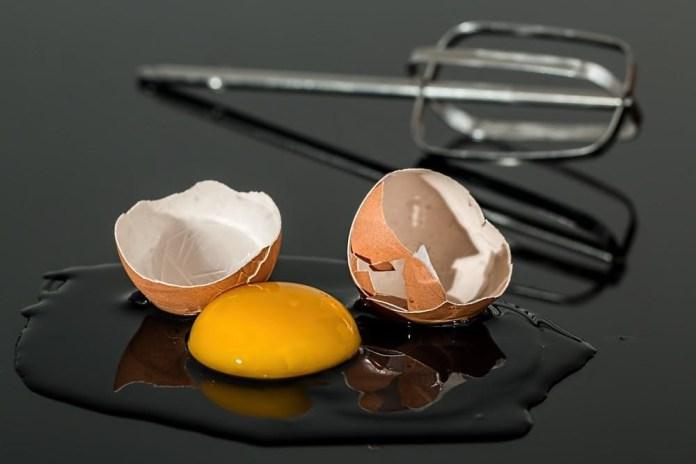 Egg in mug