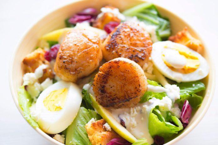 Scallop Salad with Orange-Ginger Dressing