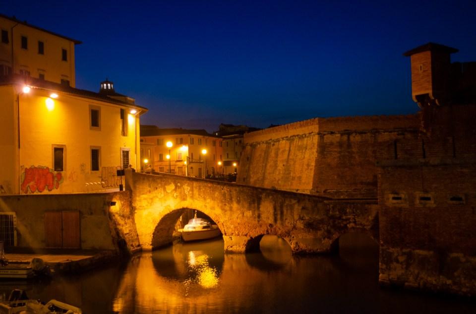la fortezza di notte