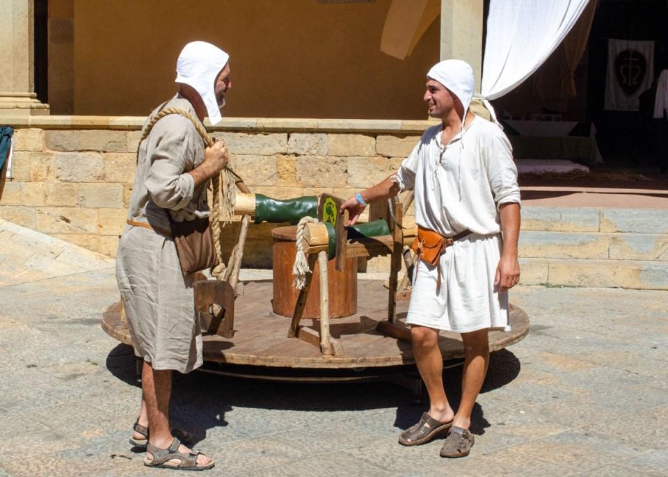 Le giostre di legno per i più piccoli - volterra 1398