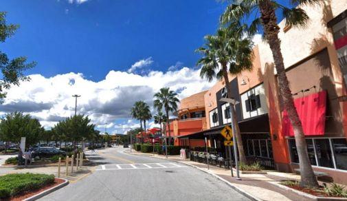 Dolphin Mall Miami - Outlet USA