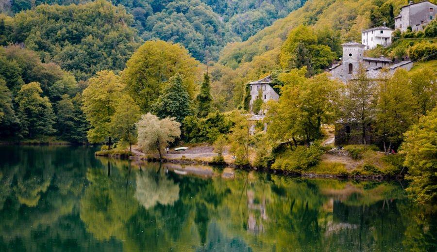 Isola Santa: il borgo da fiaba della Garfagnana