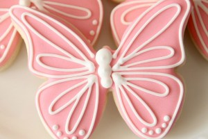 Pink Butterfly Cookies – Creating an Invisible Outline with Royal Icing