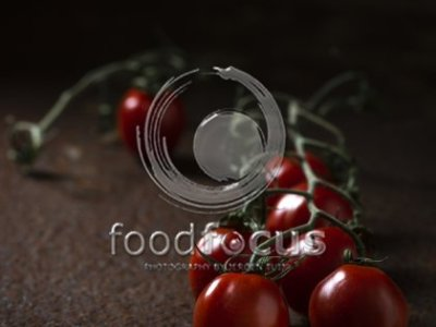 Dark & Shiny Tomatos Dry - Foodfocus Photography