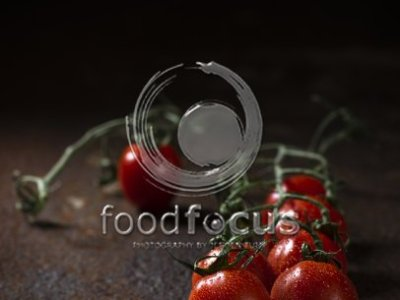 Dark & Shiny Tomatos with waterdrops - Foodfocus Photography