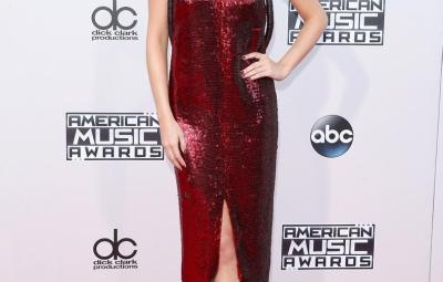 selena gomez at american music awards 2015