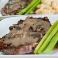 15-Minutes Mushroom Sauce (for Steaks and Mashed Potatoes)