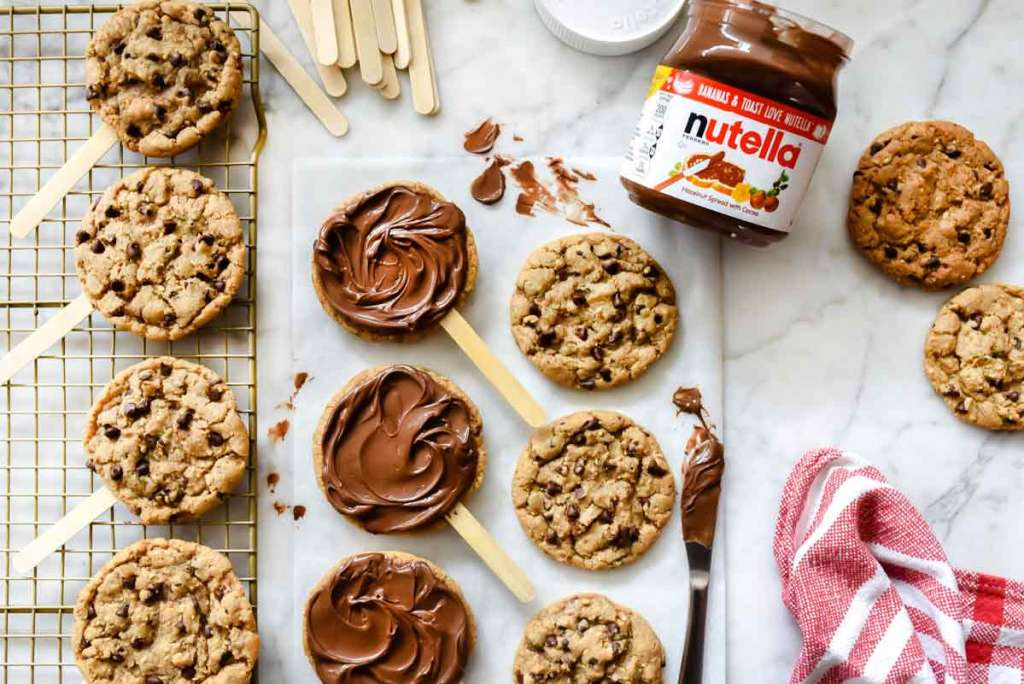 Nutella Chocolate Chip Cookie Pops | foodiecrush.com #cookies #chocolate #chip #nutella #recipes