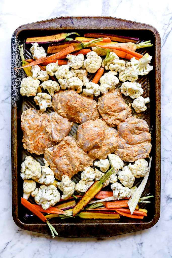 Easy Tandoori Chicken with Vegetables on foodiecrush.com #easy #baked #oven #recipe #chicken #indian #sheetpan