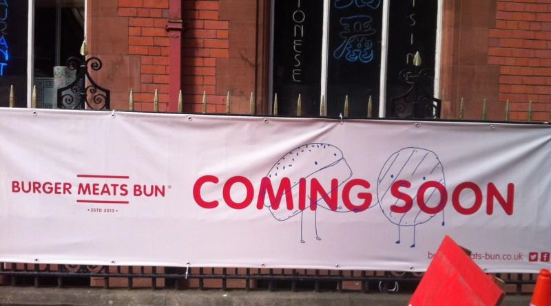 burger meats bun outside