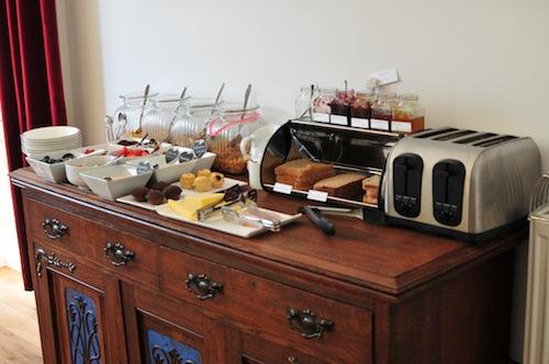 the hollies breakfast