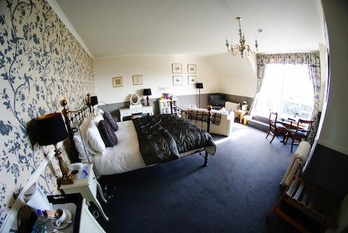 Loch Melfort Room