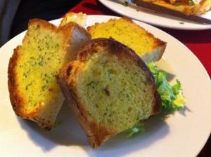 Garlic bread  at Mira  Mara, Helensburgh. © food and drink Glasgow blog