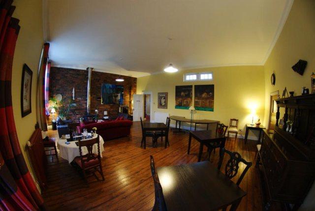 The Old School B&B - Dining & breakfast room